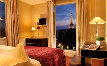 PAR hotel Eiffel tower